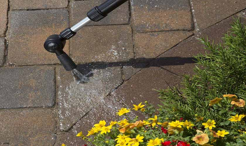 Best Gutter Cleaning Tools 2019 – Effortlessly Clean Rain Gutters and Crannies
